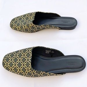 Urban Outfitters Mules Flats Green & Gold Size 9